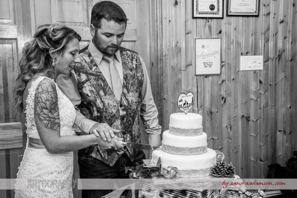 truro, salmon river, lower harmony, ns, nova scotia, wedding, photography, photographer, image, photo, bride, groom, cake, cutting