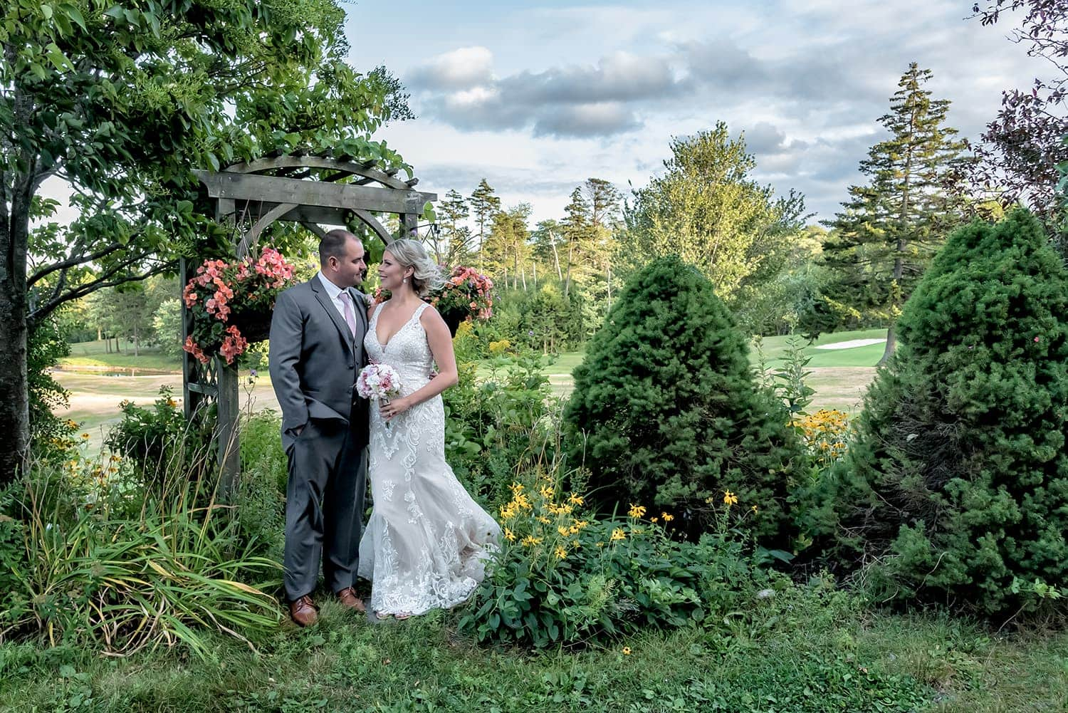 Halifax Wedding Photographer with bride and groom at Ashburn Golf Club Wedding.