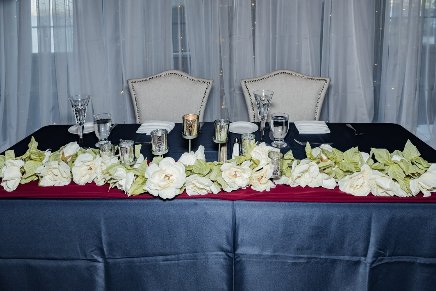 the sweetheart table at a the Bedford Basin Farmer's Market wedding.